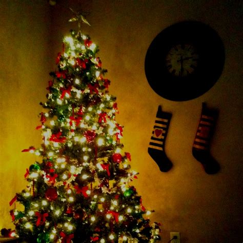 our christmas tree w popcorn garland christmas stuff