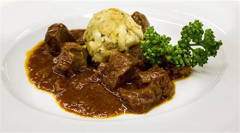 cucina ungherese ricette ricetta gulyas ungherese o gulash o goulash giornale
