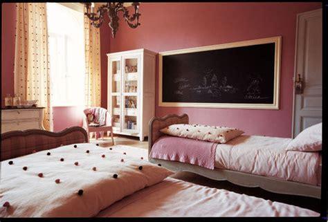 peinture pour tissus canapé une chambre pour les filles côté maison