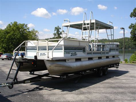 Hard Top Pontoon Boat by Sylvan 828 Supreme Hardtop 1993 For Sale For 1 Boats