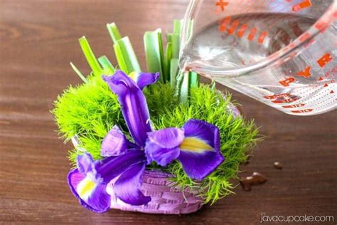 How To Preserve Flowers In A Vase by Hack How To Keep Flowers Fresh In A Basket Vase
