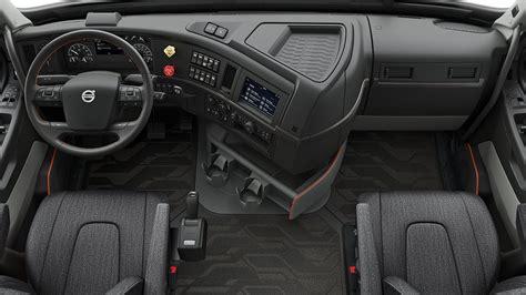 volvo trucks   volvo vnl driver environment