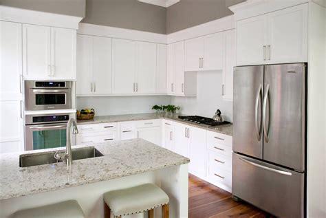 popular kitchen cabinet colors   plain fancy cabinetry