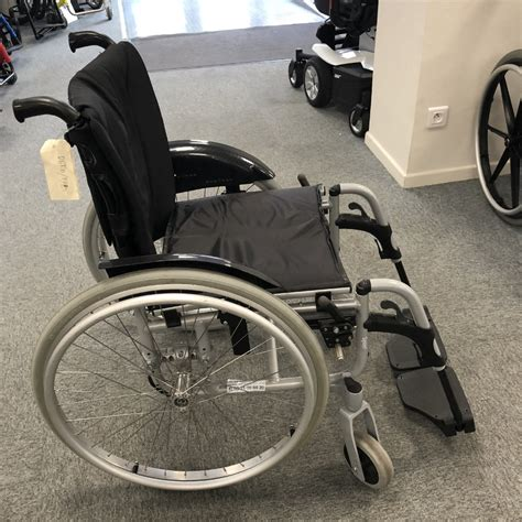 fauteuil roulant manuel l 233 ger invacare spin x d occasion fauteuil roulant manuel l 233 ger sofamed