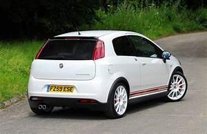 Fiat Grand Punto : abarth grande punto hatchback review 2008 2010 parkers ~ Medecine-chirurgie-esthetiques.com Avis de Voitures