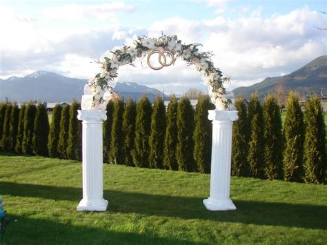 arch wedding simple guide to wedding arch rental services equipment