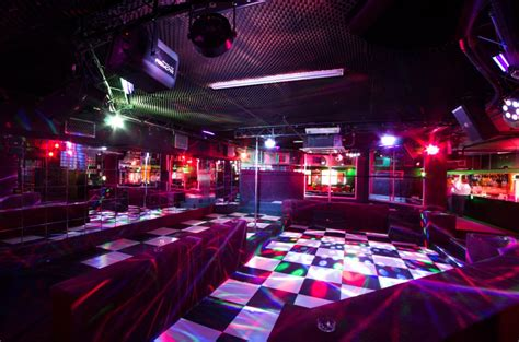 Cape Town Nightlife  Bars & Clubs  Radisson Red