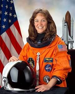 File:Lisa M. Nowak.jpg - Wikipedia