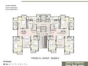 Floor Plan :