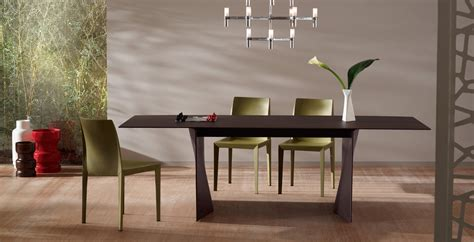 Dining Tables From Poltrona Frau