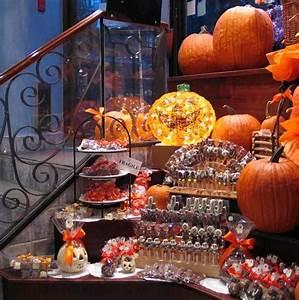 Buffet Halloween : super cool halloween treat buffet ~ Dode.kayakingforconservation.com Idées de Décoration