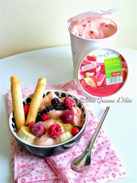 coupe banane cuisine coupe glacée banane rhubarbe fruits rouges une graine