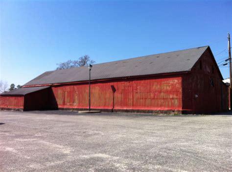 City Plans Fresh Start For 'red Barn'