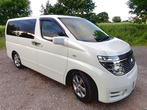 nissan japan cars nissan elgrand 3 5 4wd andrew 39 s japanese cars