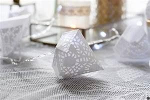 Guirlande Lumineuse Papier : diy d co guirlande lumineuse de diamants en papier ~ Teatrodelosmanantiales.com Idées de Décoration