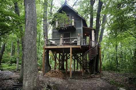 House In Tree by Out Treehouse Is Ultimate Cave For Minnesota