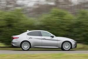 Essai Alfa Romeo Giulia : essai alfa romeo giulia notre avis sur le diesel 150 ch l 39 argus ~ Medecine-chirurgie-esthetiques.com Avis de Voitures