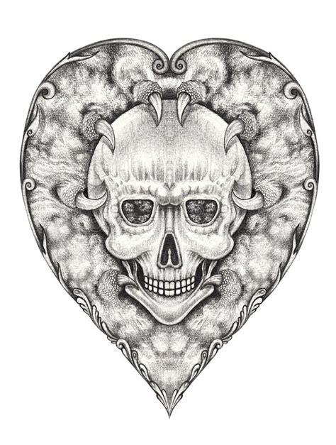 Skull Heart Cross Art Tattoo Stock Illustration