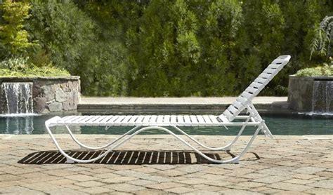 chaise longue pvc blanc chaise longue blanc pvc chaise idées de décoration de