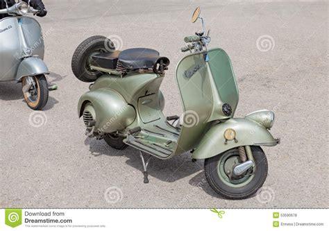 vespa roller 125 italienischer roller vespa 125 1950 redaktionelles