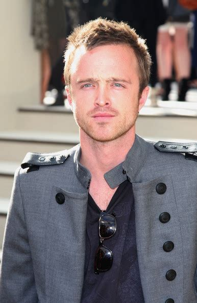 aaron paul designs aaron paul pictures guests at the burberry prorsum s s