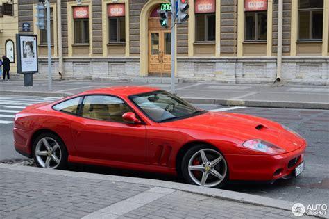 Les avancées technologiques de la période intermédiaire, notamment les systèmes de commandes électroniques de traction et de suspension, ont permis de rendre les véhicules à moteur avant aussi maniables que les modèles à moteur central. Ferrari 575 M Maranello - 24 July 2013 - Autogespot