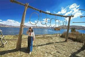 La Barca A Lamella Tradizionale Sul Titicaca  Su Un Grande