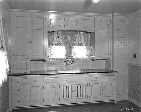 1930s kitchen, inspiration for cottage style kitchens