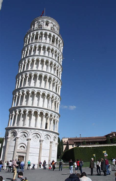 leaning tower  pisa  withstood earthquakes
