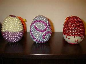 Sterne Selber Basteln Mit Perlen : ostereier mit perlen verziert osterdeko selbst basteln ~ Lizthompson.info Haus und Dekorationen