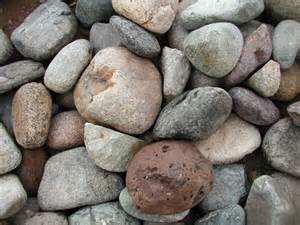 Types of River Rock Landscaping