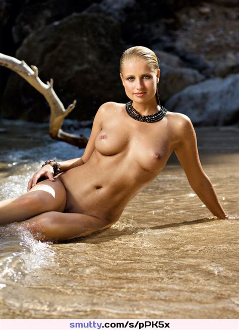 Irisbakker Wet Nude Blonde Beauty Sitting Leaning Onbeach Tidewater Playboy