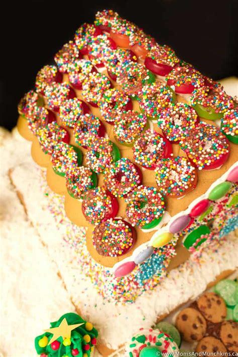 gingerbread house ideas  family fun moms munchkins