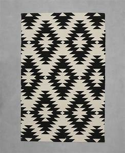 Tapis Geometrique Noir Et Blanc : tapis coton motif berb re cru 955042765i08 pimkie ~ Dailycaller-alerts.com Idées de Décoration
