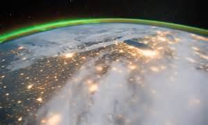 Amazing video of the Earth spinning taken from the ...