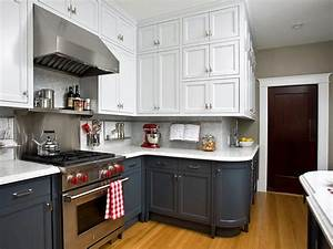 Two toned kitchen cabinets pictures options tips for Kitchen cabinet trends 2018 combined with wall ceramic art