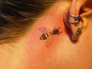 Kleine Männer Tattoos : 20 kleine hals tattoos ideen und entw rfe ~ Frokenaadalensverden.com Haus und Dekorationen
