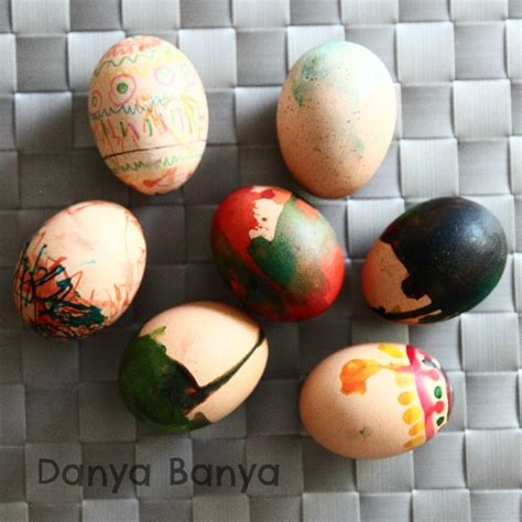 boiling eggs for easter decorating decorating eggs with edible paints and markers danya banya