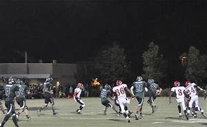 Football loses to Mount Pleasant on Homecoming – Harker Aquila