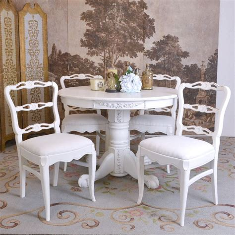 Taking Vintage Styled Furniture Into Vintage Decorating Ideas