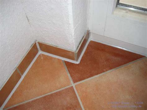 Fußleisten Fliesen  Hause Deko Ideen