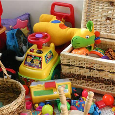 Spielzeug Allerlei Kinderspielzeug Und Holzspielzeug Für