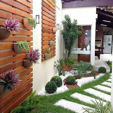 como decorar  patio  jardin  maderas recicladas