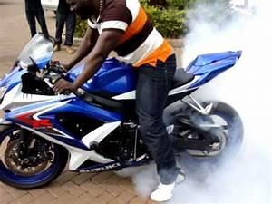 Gsxr 750 2019 : mozz njenga burning rubber on his 2010 suzuki gsxr 750 kenyabikers youtube ~ Medecine-chirurgie-esthetiques.com Avis de Voitures