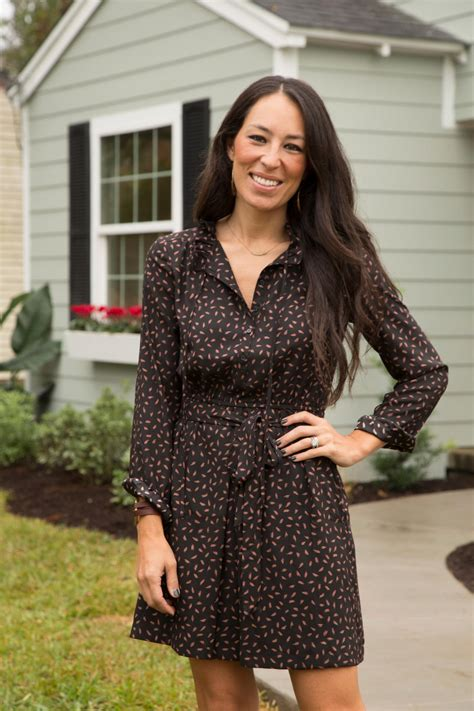 how is joanna gaines photos hgtv s fixer upper with chip and joanna gaines hgtv