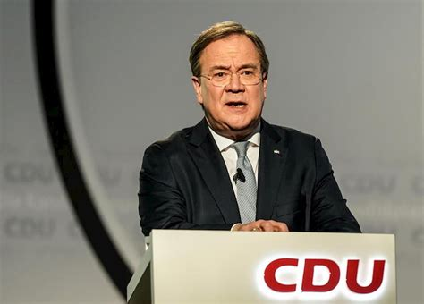 Armin laschet will nur noch weg. Armin Laschet è il nuovo presidente della CDU in Germania ...