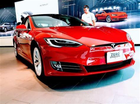 Longest Range Electric Car = Tesla Model S 100d (335 Miles