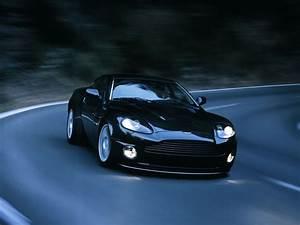 Aston Martin V12 Vanquish : aston martin v12 vanquish s specs videos top speed test drive ~ Medecine-chirurgie-esthetiques.com Avis de Voitures