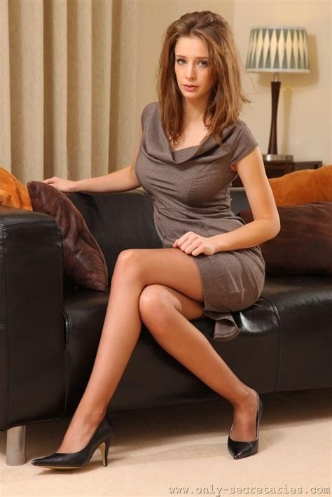 pin auf hot  sexy secretaries