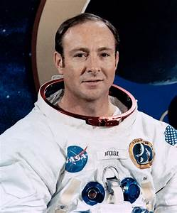 Edgar Mitchell - Wikipedia